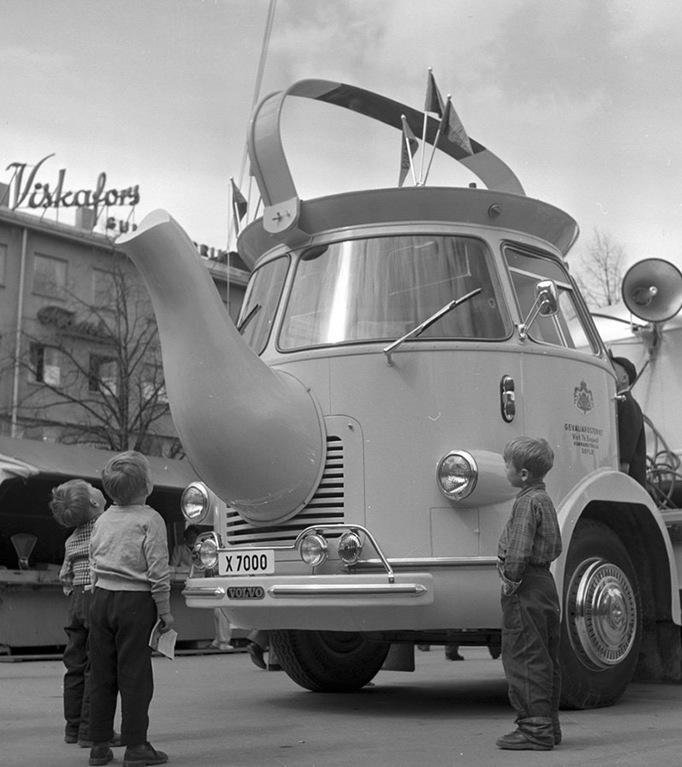 Coffee promotional truck in Sweden, 1950